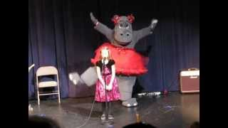 I Want a Hippopotamus for Christmas, Nikki Sings with a Dancing Hippo