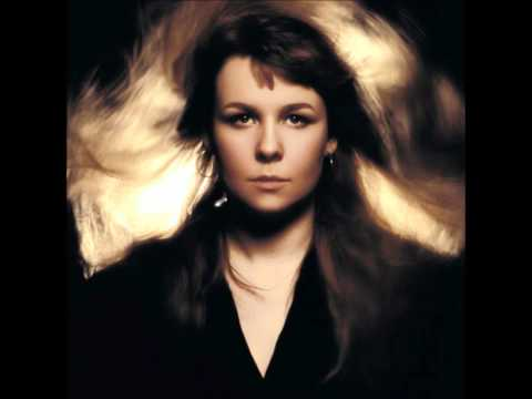 Sandy Denny - It Suits Me Well