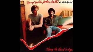 Watch Hall & Oates August Day video