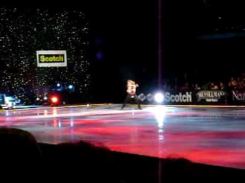 REO Speedwagon - Deck The Halls @ Holiday On Ice.AVI