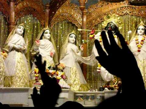 Mangala Arti - Sri Sri Radha Madhava, Iskcon, Mayapur video
