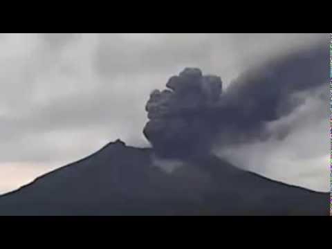 Kelud Volcano Erupts on 14 Feb 2014