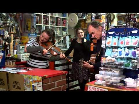 Eliza Carthy and Martin Carthy at Bridport Music.3GP