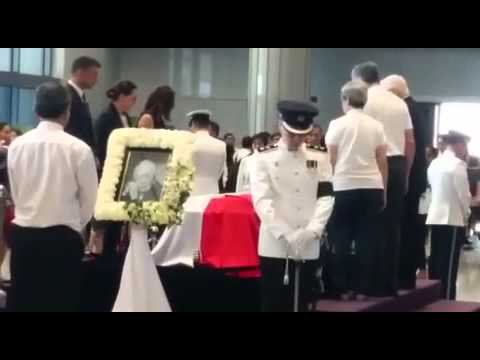 Israeli President Reuven Rivlin pays his respects to Mr Lee Kuan Yew