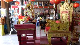 Incredibly weird and spooky down at heel Hat Yai Chinese Buddhist temple run as a business - 720p HD