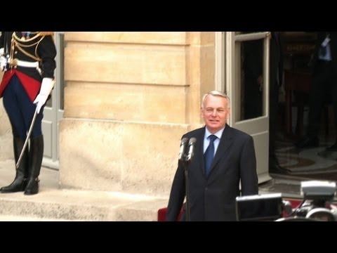 New French PM Ayrault set to form cabinet