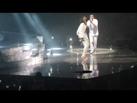 Drake & Rihanna - Take care + dance + Pour it up LIVE @ Paris bercy (25.02.2014)