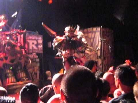 Gwar - Rock And Roll Never Felt So Good