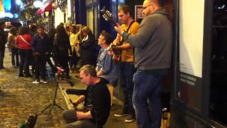 Irish folk music by street performers, Dublin