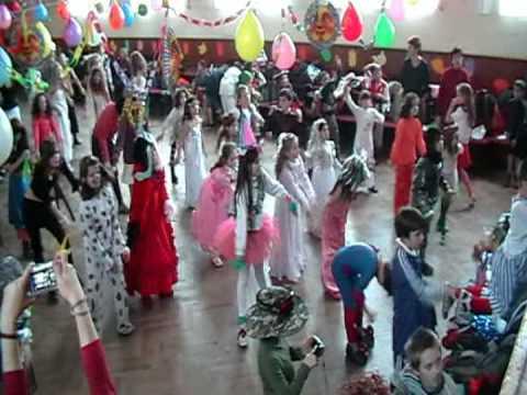 2009 golianovo karneval z\u0160'][0].replace('