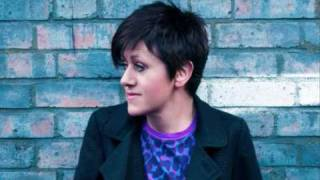 Watch Tracey Thorn Why Does The Wind video
