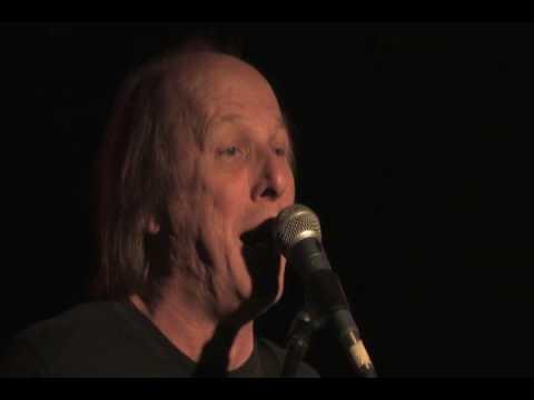 Adrian Belew Power Trio - I'm A Dinosaur (clip)