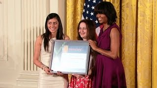 The First Lady Presents the 2013 National Medal for Museum and Library Service