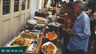 Buffet miễn phí hơn 100 món cho người nghèo ở Sài Gòn
