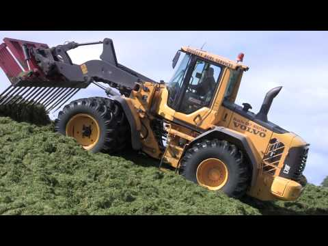 Silage 2011 Quigley Agri Services at the Grass Volvo L70F