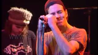 "Pearl Jam- ""Alive"" w/false starts on Countdown 1992"