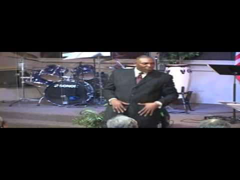 141026 Sun Pastor Tommy Roberts LQ