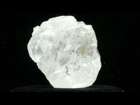 Batu berlian terbesar di dunia tak laku dalam lelang