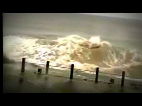 CNN  News, East China registers largest tidal bore in years