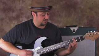 How to Play Smoke On the Water - Beginner Guitar Lessons - Main Riff