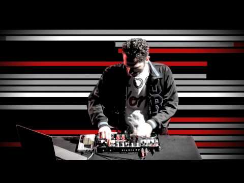 DJ Unkut (DMC Champion) on the Vestax VCI-400 DJ MIDI controller