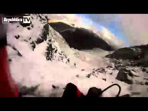 Gb,scalatore precipita dalla montagna: il volo in soggettiva
