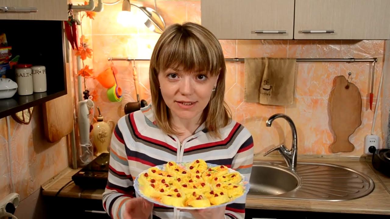 Рулет из яиц с начинкой рецепт пошагово
