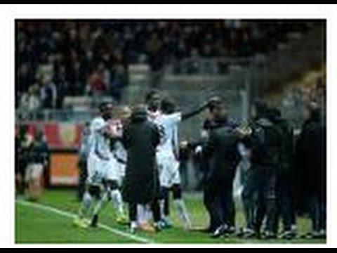 Lens vs Bordeaux : (1-2) Les larmes de Sagnol après l'hommage de Diabaté - 08/11