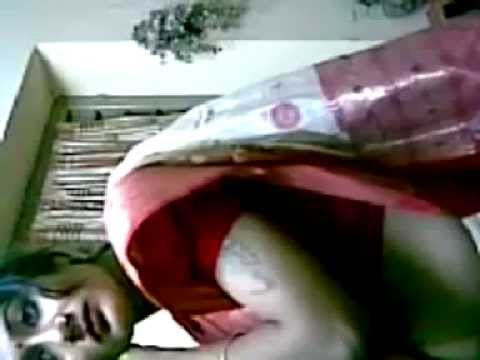 Mallu Aunty Hot Navel And Boob Show video