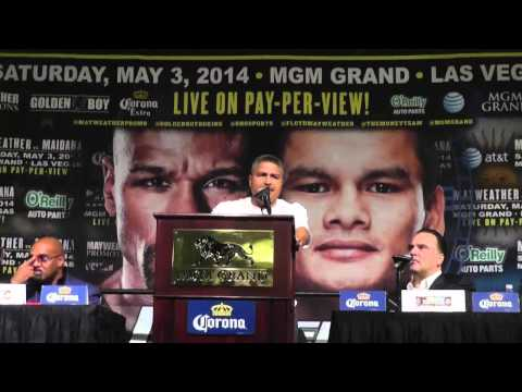 floyd mayweather and robert garcia at press conference EsNews Boxing
