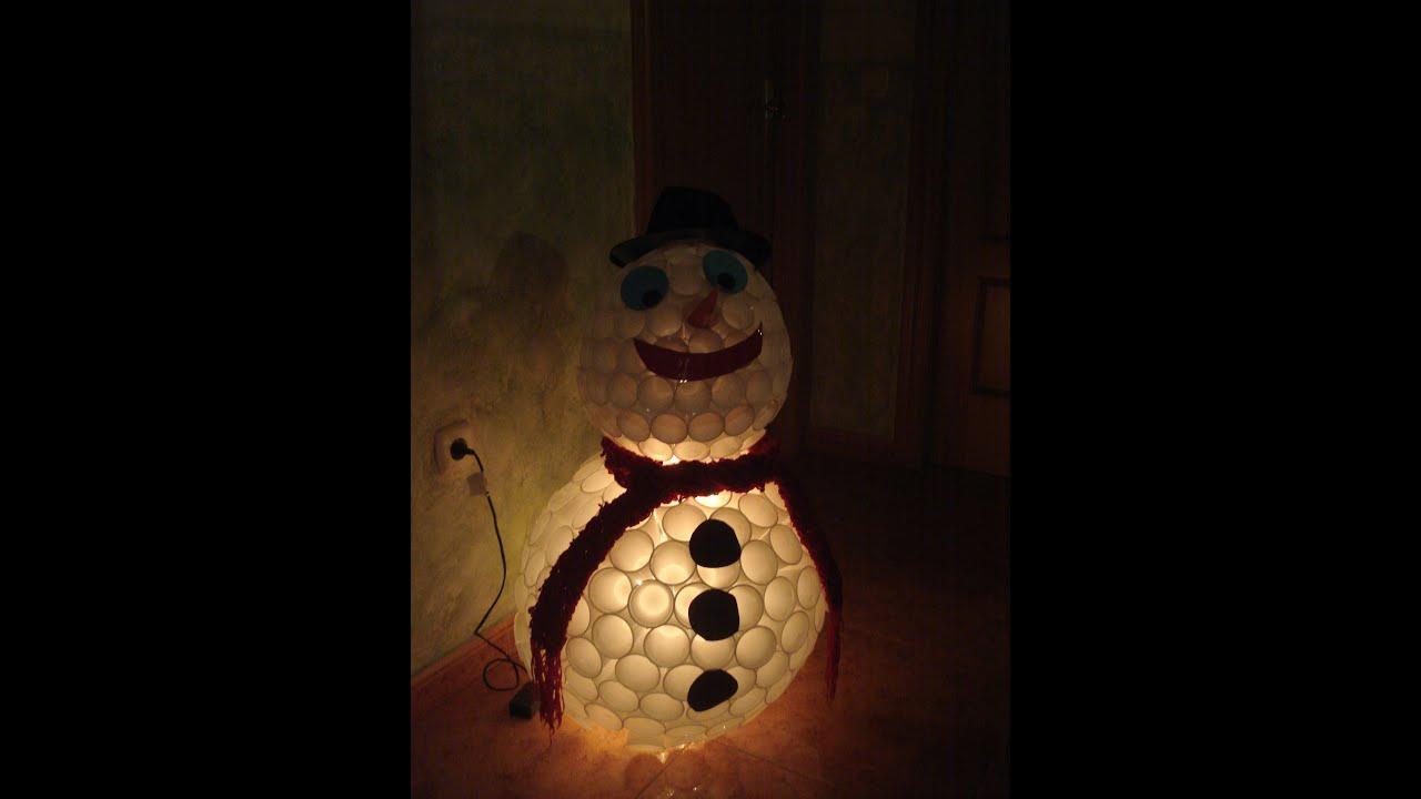 Mu eco nieve luminoso con vasos desechables youtube - Munecos de navidad ...