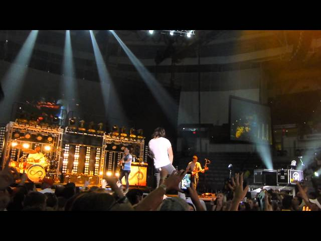 Jake Owen Jump Cover North Charleston 5-17-13