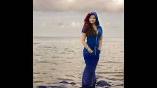 Watch Tessanne Chin Hide Away video