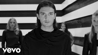 Watch Alesso Tear The Roof Up video
