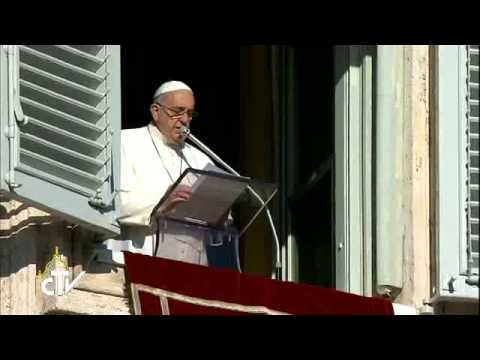 Pope Francis: prayer at the roots of peace