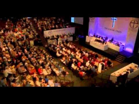 Church of England General Synod backs women bishops