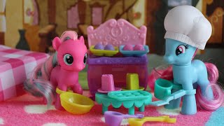 My Little Pony Princess Celebration Bakery (Mrs. Dazzle Cake & Twirly Treats) PLUS MLP Dessert Party