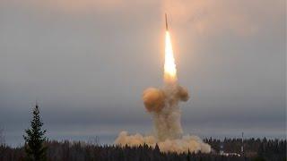 Медленно ракеты улетают вдаль...