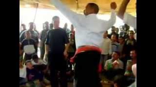 رقص رجالي مضحك في المغرب