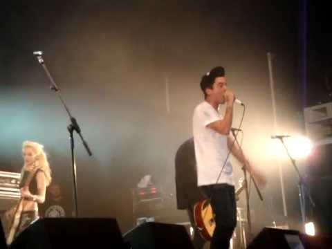 The King Blues - Save The World, Get The Girl (live) - Oxylers In West, Glastonbury Festival 2011