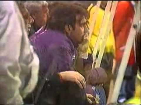 Carlos Salvador Bilardo le grita al masajista PISALO PISALO al rival que este había socorrido luego de que Maradona le diera una patada en la cara