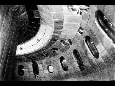 深網「有史以來 首支拍到 UFO的內部影片!」
