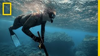 Gordon Ramsay Learns to Spearfish | Gordon Ramsay: Uncharted