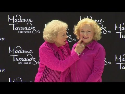Betty White jokes at launch of the Madame Toussaud s Betty White wax figure