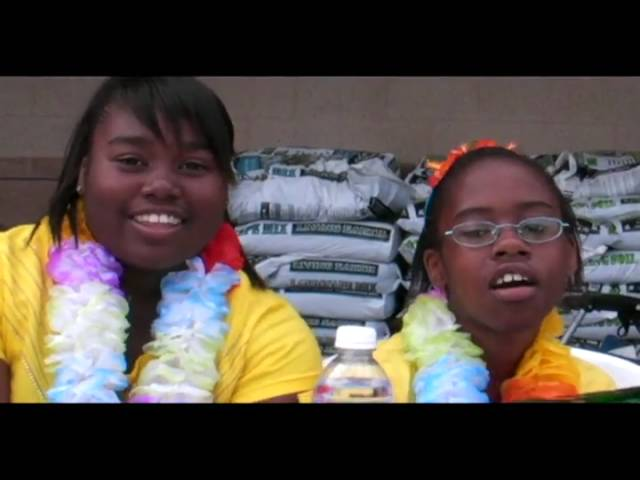 Shaba & Kiana Sell Lemonade at Ace Hardware