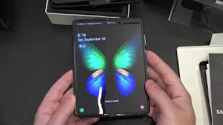 Samsung Galaxy Fold Unboxing and First Look