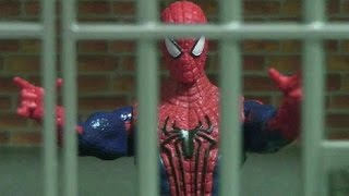 Spider-Man is in prison! Get out of the villain! Toy play