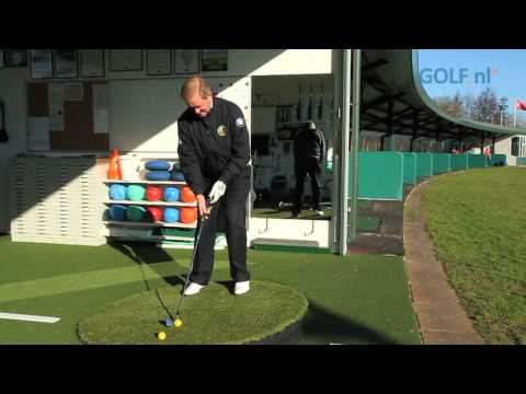 Golf.nl Swingprogramma John Woof - Week 9: Ongelijke liggingen (deel 2 - Golf.nl Swingprogramma - We