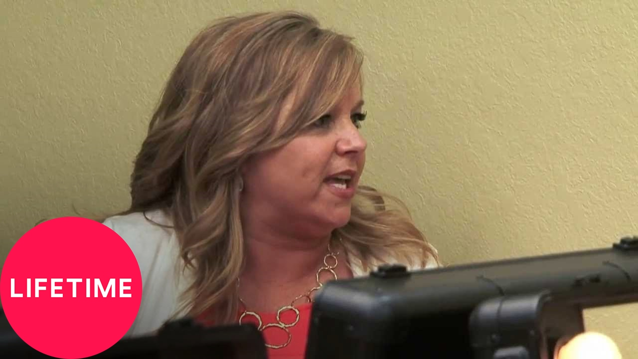 Dance moms leslie is fed up with the moms unwelcoming attitudes