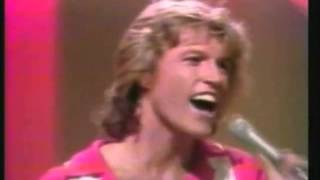 ANDY GIBB- SHADOW DANCING -LIVE.